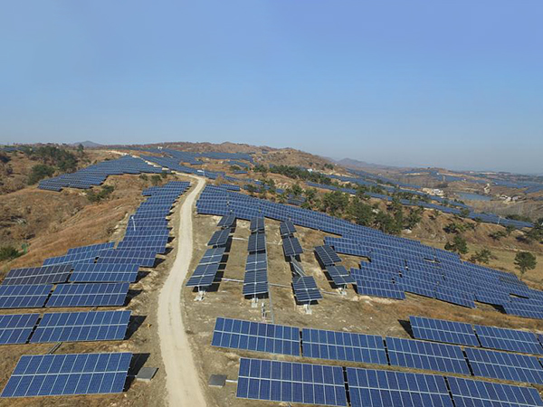 System structure, regional type and characteristics of centralized photovoltaic power station